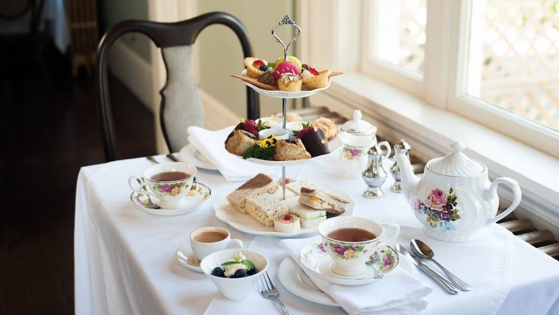 English Afternoon Tea – World Tree Catering & Restaurang